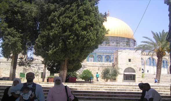 مستوطنون يقتحمون المسجد الأقصى بحماية شرطة الاحتلال الإسرائيلي