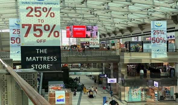 سوق دبي الكبير خزانة توابل ودواء تجذب اهتمام السياح