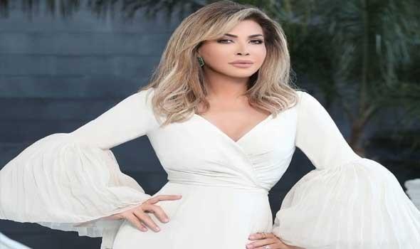 العرب اليوم - إطلالات راقية للفنانة نوال الزغبي باللون الأبيض