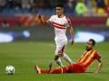 العرب اليوم - اللاعب المغربي أشرف بن شرقي يرفض الزواج بفتاة مصرية