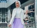 العرب اليوم - أفكار متنوعة لتنسيق التوب الأبيض مع التنانير للمحجبات