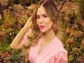 العرب اليوم - عائشة عثمان تدخل عالم الغناء بالصدفة وتحلم بالوقوف أمام عادل إمام